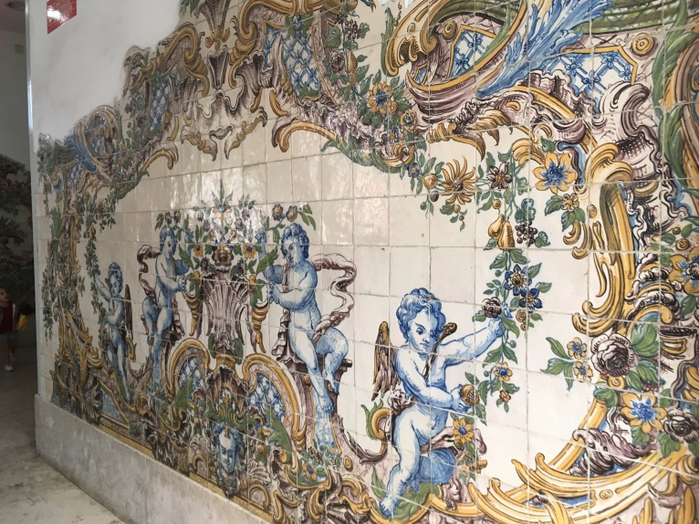Art at the Sintra train station